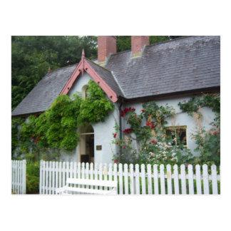 Cabaña irlandesa tarjetas postales