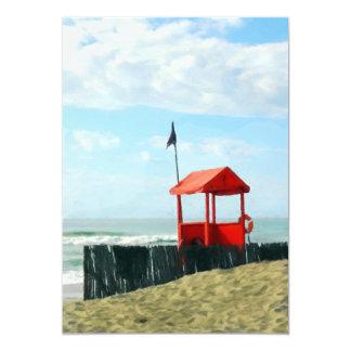 Cabaña roja de la playa comunicado