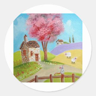 Cabaña vieja de las ovejas del ratón del paisaje pegatina redonda