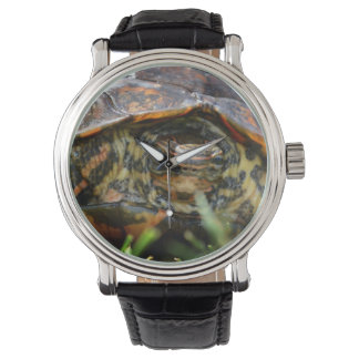 Cabeza adornada de la tortuga de madera encendido reloj