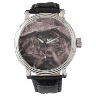 Cabeza adornada de la tortuga de madera encendido reloj de mano