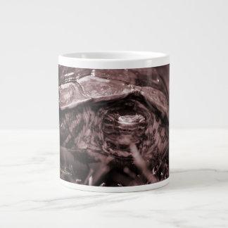 Cabeza adornada de la tortuga de madera encendido  taza grande