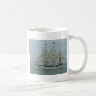 Cabeza alta 071 del gancho de las naves taza de café