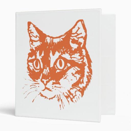 Cabeza anaranjada del gato del gatito