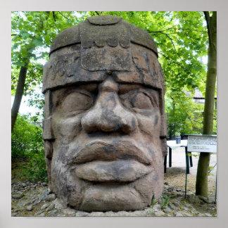 ¡Cabeza antigua de Olmec! Póster