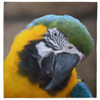 cabeza azul del macaw del loro del oro inclinada servilletas imprimidas