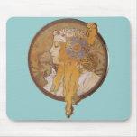 Cabeza bizantina del ~ de Alfonso Mucha: El Blonde Tapetes De Ratón