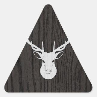 Cabeza blanca de los ciervos en viruta pegatina triangular