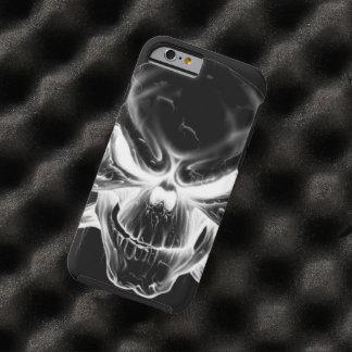 cabeza blanca del cráneo en fondo negro funda de iPhone 6 tough