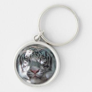 Cabeza blanca del tigre llavero redondo plateado