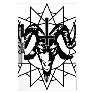 Cabeza con la estrella del caos (negro) pizarra blanca