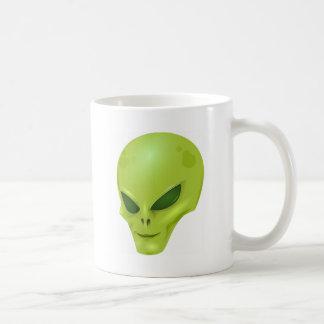 cabeza cósmica marciana extranjera del verde de la tazas de café