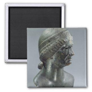 Cabeza de bronce de una mujer, identificada a vece iman para frigorífico
