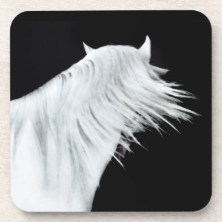 Cabeza de caballo blanco posavasos de bebida