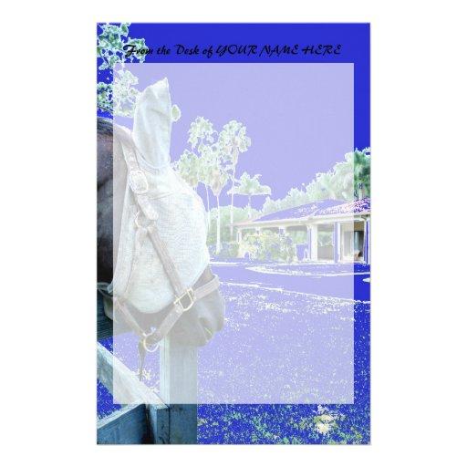 cabeza de caballo sobre el azul de la cerca colore  papeleria de diseño