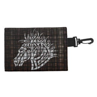 Cabeza de caballos estilizada en un fondo tejido