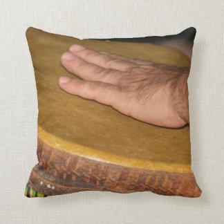 cabeza de la piel del tambor de la mano con hand j cojin