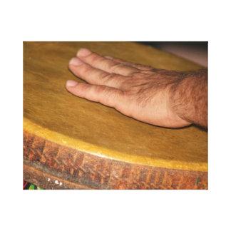 cabeza de la piel del tambor de la mano con hand j impresión de lienzo