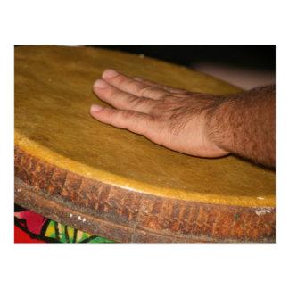 cabeza de la piel del tambor de la mano con tarjetas postales