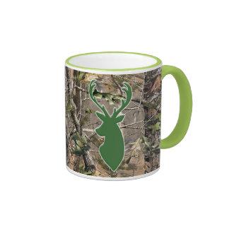 Cabeza de los ciervos del verde del camo del arbol tazas