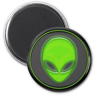 Cabeza de rastro extraterrestre imán redondo 5 cm