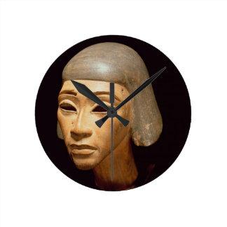 Cabeza de un arpista, de diga EL-Amarna, c.1370-13 Reloj Redondo Mediano