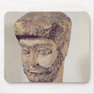 Cabeza de un hombre moldeado, c.1800 A.C. Tapetes De Ratón