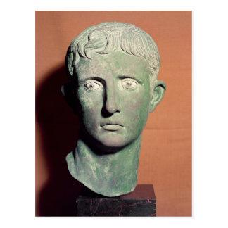 Cabeza de una estatua integral del emperador postales