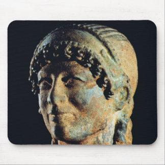 Cabeza de una mujer de Etruscan Alfombrillas De Ratón