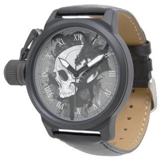 cabeza del cráneo con arte del tatuaje del dragón relojes de pulsera