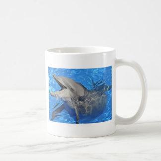 Cabeza del delfín de bottlenose taza de café
