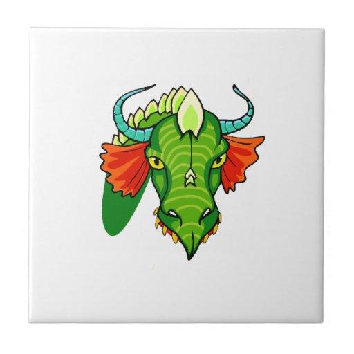 Cabeza del dragón con horns.png teja