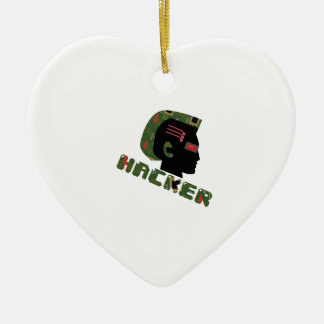 Cabeza del pirata informático adorno de cerámica en forma de corazón