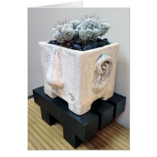 Cabeza del pote con el cactus del dedal por la tarjeta de felicitación