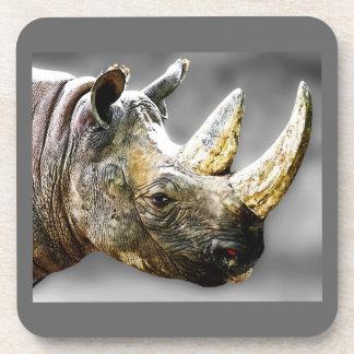Cabeza del rinoceronte, pintura gris del fondo posavasos de bebida