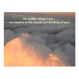 Cabeza en las nubes tarjeta postal