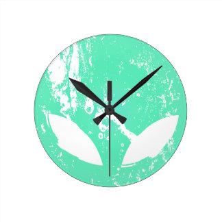 Cabeza extranjera reloj redondo mediano