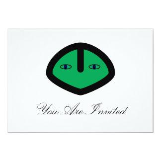 Cabeza extranjera verde del estilo comunicado personal