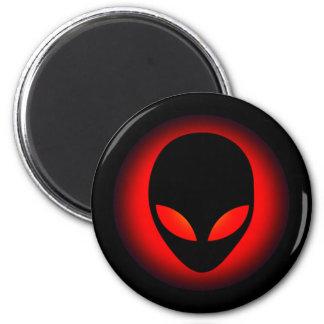 Cabeza extraterrestre del extranjero de espacio imán redondo 5 cm