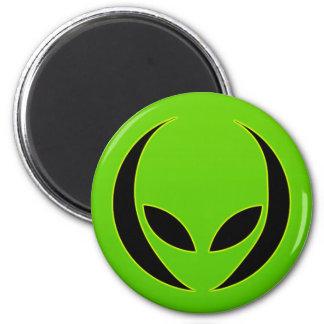 Cabeza extraterrestre imán redondo 5 cm