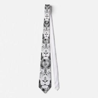 Cabeza geométrica de plata de los leones corbata