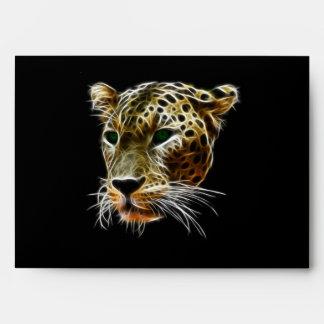 Cabeza majestuosa del leopardo del gato