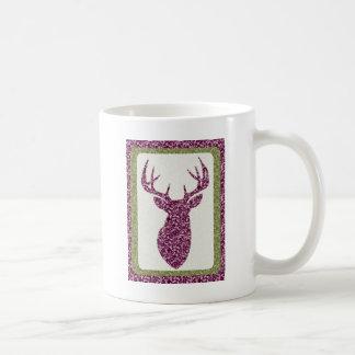 Cabeza púrpura de los ciervos del modelo taza básica blanca