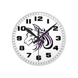 Cabeza púrpura y negra del lobo reloj redondo mediano