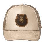 Cabeza rellena del oso de Brown en la pared Gorro