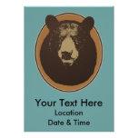 Cabeza rellena del oso de Brown en la pared Comunicados Personales