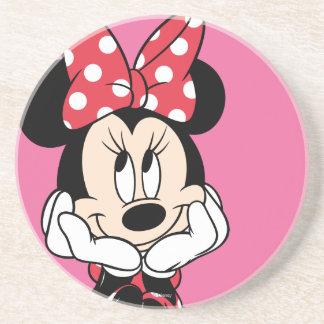 Cabeza roja de Minnie el | en manos Posavasos Para Bebidas