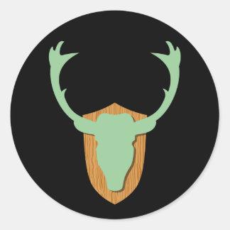 Cabeza verde de los ciervos pegatina redonda
