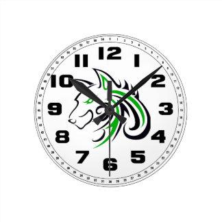 Cabeza verde y negra del lobo reloj redondo mediano