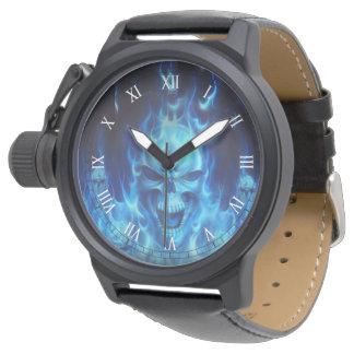 cabezas azules del skul con arte tribal de las reloj de mano